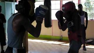 "Pro Boxer(Female) Vs Amateur Boxer(Male) ""Sparring"""