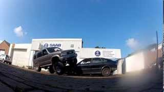 "Opel Monterey on 37"" boggers - Isuzu Trooper - Flexing - Crushing cars - SAS"