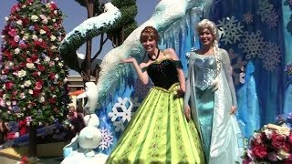 Frozen Float W/ Coronation Dress Anna, Elsa, Olaf In