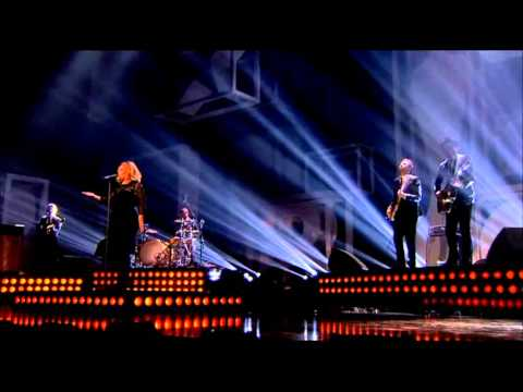 Adele - Rolling in the Deep HQ (Brit Awards 2012)