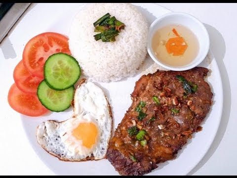Vietnamese grilled pork chop with broken rice - Com tam suon nuong