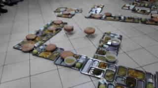 طلبة حي مولاي إسماعيل بالرباط عثروا على حشرات في وجباتهم الغذائية