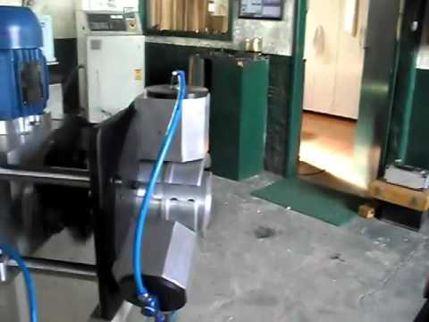 Maquina de fazer rosca.wmv
