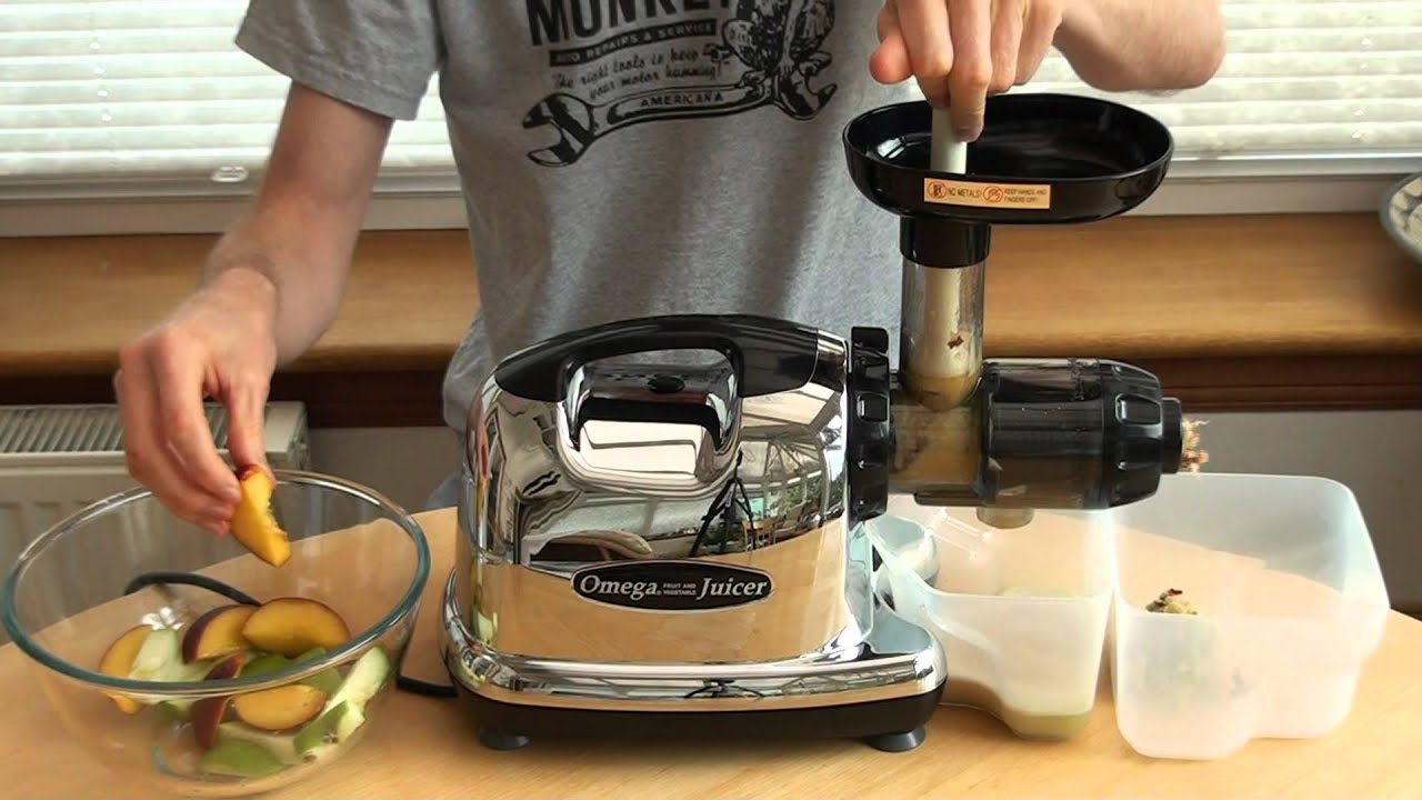 Omega Juicer 8006 Vs Hurom : Juicing Nectarines with an Omega J8006 - YouTube