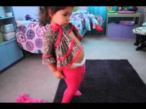 Nina 2 anos vistiendose sola youtube - Dormitorio nina 2 anos ...