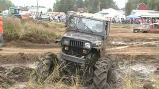 4x4 Mud Trucks Getting Stuck In The Mudpits
