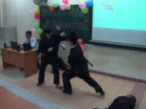 Biểu diễn hài kịch, võ thuật Nữ sinh tự vệ - CLB TRUYỀN THÔNG - MARKETING CNMC