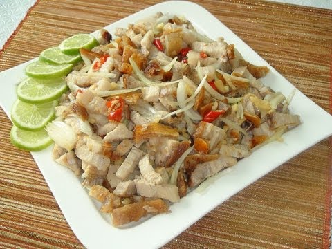 PINOY RECIPE - HOW TO MAKE DINAKDAKAN [ ILOCANO STYLE ] OR SISIG [TAGALOG STYLE] GRILLED PORK BELLY