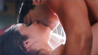 Alia Bhatt & Varun Dhawan's SEXY KISS In Humpty Sharma Ki