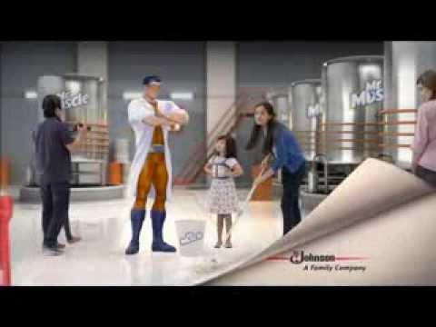 Bà Tưng quảng cáo nước lau nhà. ( khoancatbetongtphcm.vn )