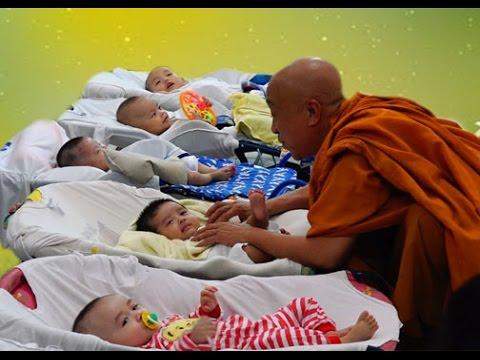 Bữa cơm nhân ái ở chùa Kỳ Quang II Gò Vấp