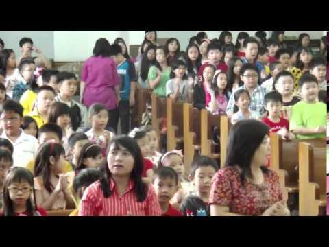 Yesus Di Salib medley Tanda Paku - SD Kalam Kudus Bandung