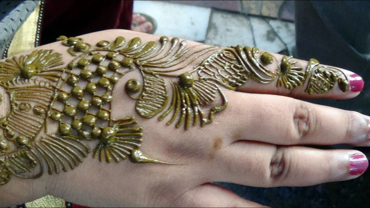 Best Arabic HennaModern Girlish Mehndi Pattern Design