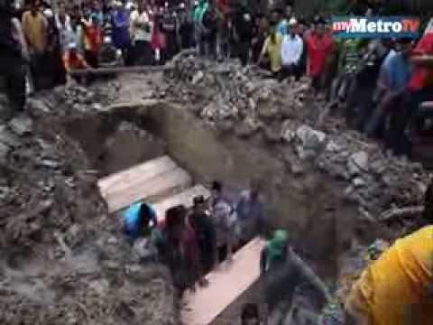 Lima sekeluarga maut kereta rempuh treler