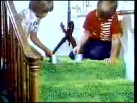 CLASSIC TV COMMERCIAL - 1970s - SLINKY #12