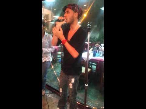 Estoy Enamorado - Thalia ft Pedro Capo (Karaoke night)