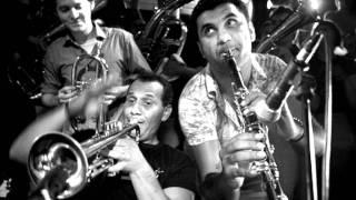 Kocani Orkestar - Siki Siki Baba (Strict Strict Father) view on youtube.com tube online.