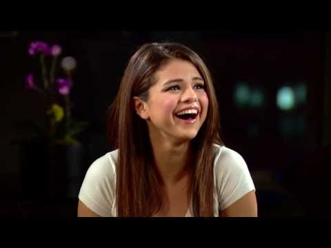 Selena Gomez Cries In An Interview Over Fan Video