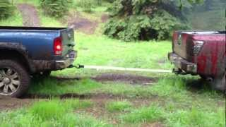 Dodge Ram 2500 Vs Nissan Titan TUG O WAR.MOV