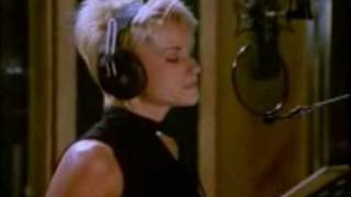 The Beach Boys And Lorrie Morgan Don't Worry Baby (1996