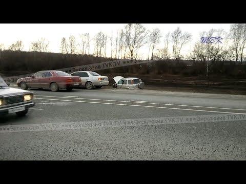 Хонда улетела в кювет в результате аварии недалеко от станции Сельская