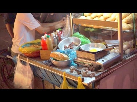 2014  Vietnamese Street Food   French Baguette & Fried Egg