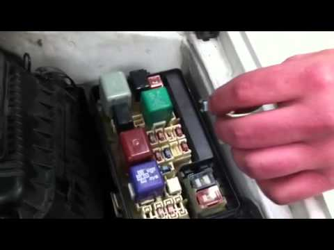 Clearing Fault Code Memory On 1999 Toyota Corolla Youtube