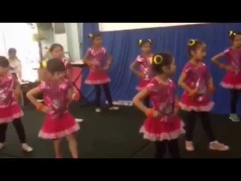 Múa Sôi Động/ Dance Con Bướm Xinh - Hồ Quang Hiếu