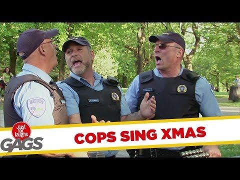 'Cops' sing carols in hidden camera prank