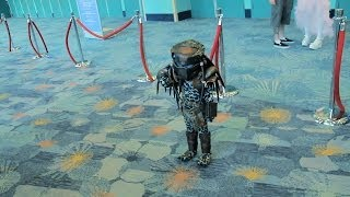 Cosplay Predator ini keren banget