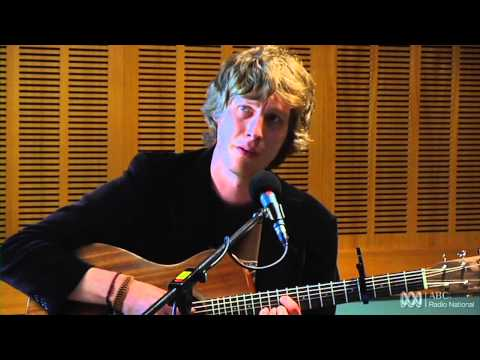 Thumbnail of video Scott Matthews sings 'Eyes Wider Than Before' [HD] - ABC Radio Nationall