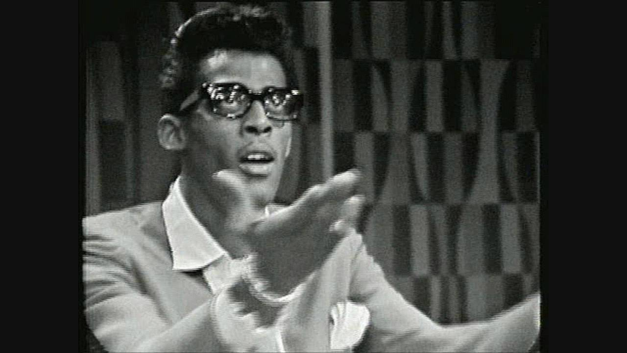 Where are there online pictures of David Ruffin in his casket?