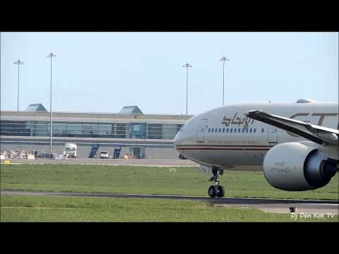 Etihad Airways Boeing 777-300 Take Off Dublin Airport 2014