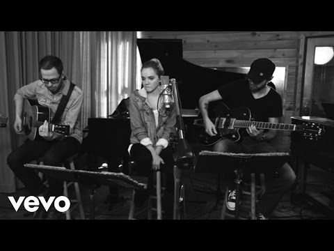 Danielle Bradbery - Set Fire To The Rain