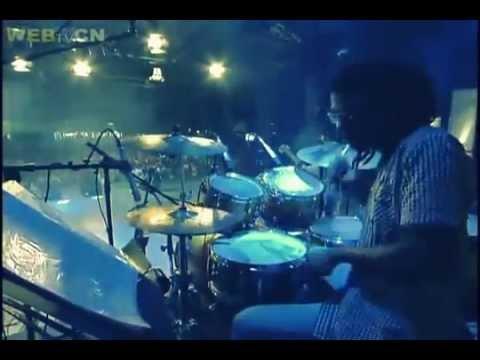 Tony Allison canta Poderoso Deus