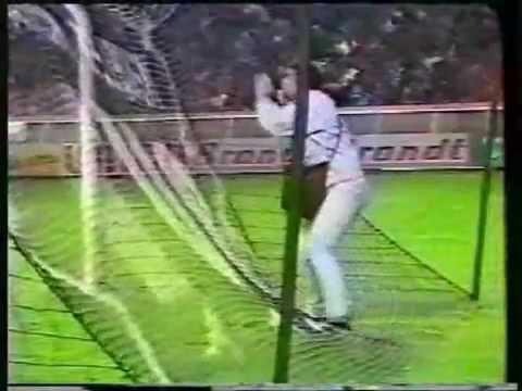 Video clip Hài hước trong bóng đá.flv