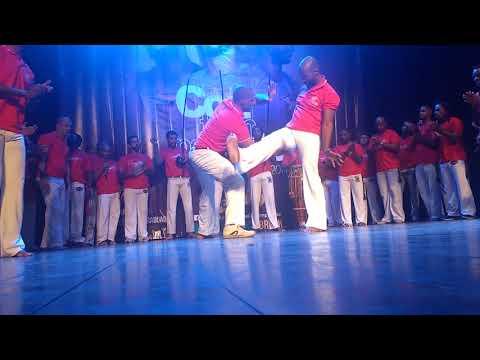 Formatura Mestre Preto Escola de Capoeira Contempor'Arte