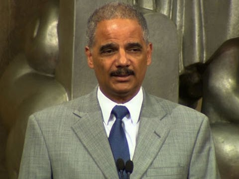 Holder Urges Bipartisanship on Immigration