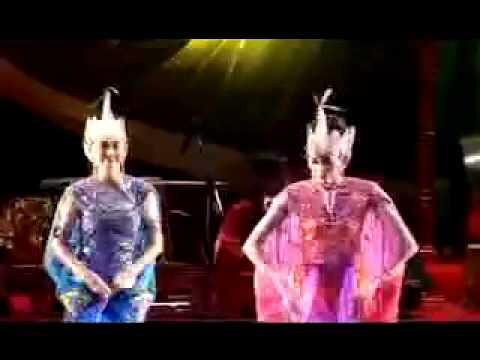 kabumi merak dance