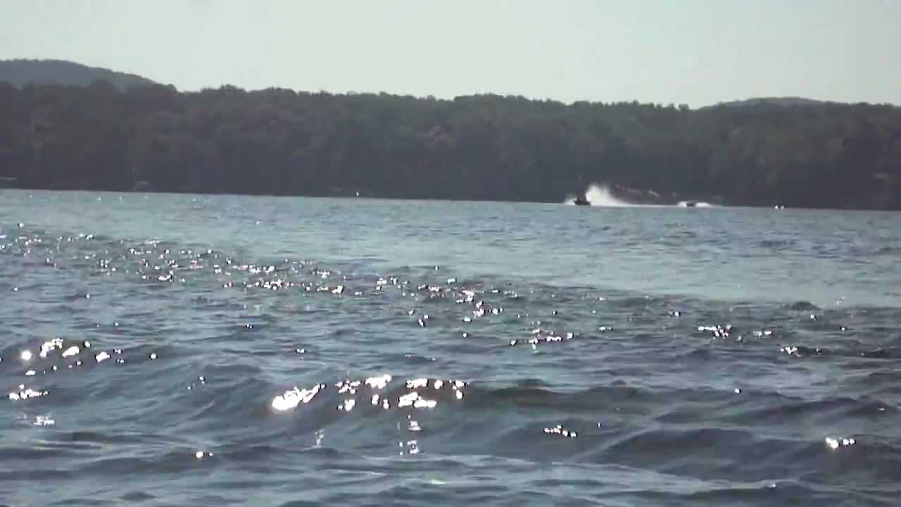 Lake tillery heading to the sand bar youtube for Lake tillery fishing