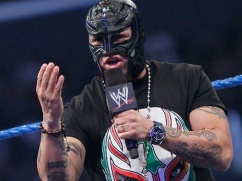 SmackDown: Rey Mysterio accepts CM Punk's challenge for a