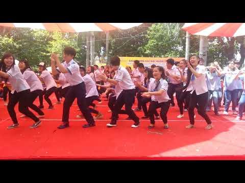 Hoàng Tôn - The Voice 2013 hát tại cuộc thi Vũ Điệu non sông tại Đầm Sen