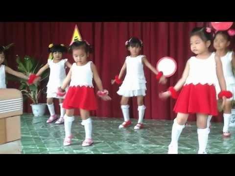 Múa Con Bướm Xuan
