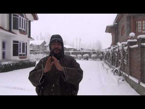 Kashmir welcomes 2014 with Fresh Snowfall