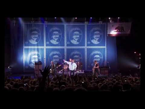 Sex Pistols - God Save the Queen [Live From Brixton Academy 2007] 13