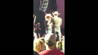Brad Paisley concert highlights: Weekend Warrior tour SPAC May 18th 2017