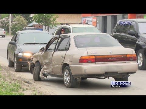 Прижало рулём к сидению – ДТП в Бердске