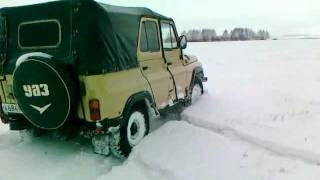 УАЗ 31512 езда по снегу