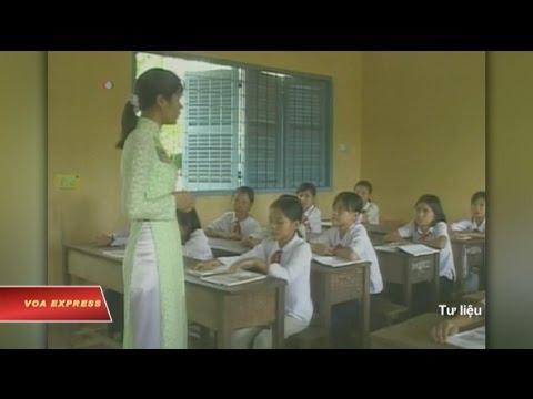 Nhiều người bất bình vụ giáo viên nữ bị điều động 'phục vụ quan khách'