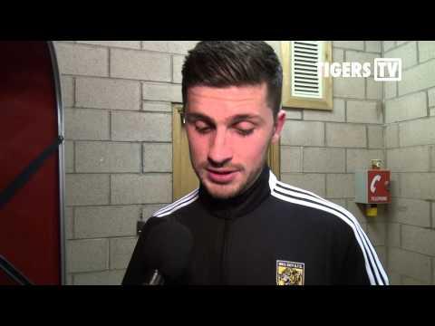 Sunderland v Hull City | Reaction with Shane Long